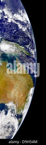 Una visione chiara del sud della Grande Barriera Corallina, saline nel deserto australiano e modelli sunglint nel Foto Stock