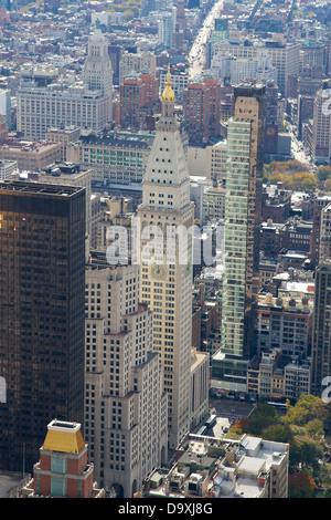 Punto di riferimento la vita metropolitana edificio di assicurazione a Madison Avenue, attraversata dalla recentemente Foto Stock