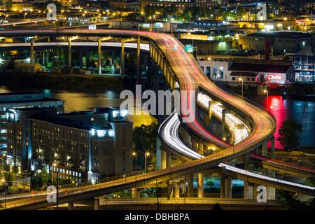 Occupato Freeway a Portland, Oregon, Stati Uniti d'America Foto Stock