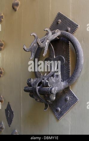 Distintivo sportello decorativo respingente in Mdina Malta Foto Stock