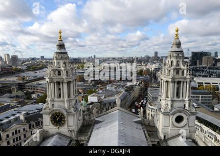 Vista dalla Cattedrale di San Paolo a Londra, Inghilterra, Regno Unito, Europa Foto Stock
