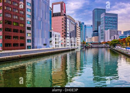 Vista sul fiume di Osaka in Giappone. Foto Stock