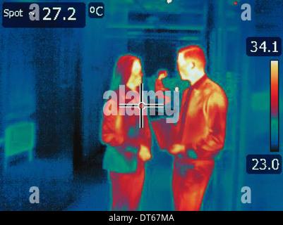 Il calore a infrarossi immagine di impiegati in discussione Foto Stock