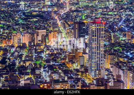Tokyo, Giappone fitta cityscape in Shinjuku. Foto Stock