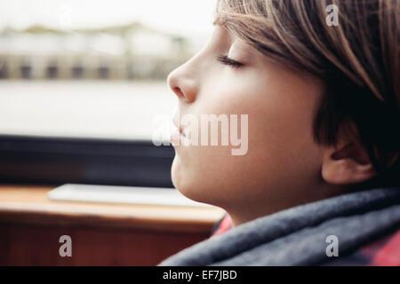 Ragazzo che dorme Foto Stock