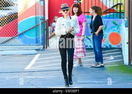 27.settembre.2013. LOS ANGELES Gwen Stefani e figlio ZUMA ROSSDALE FUORI E CIRCA A LOS ANGELES, Stati Uniti d'America. Foto Stock