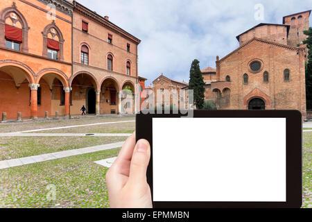 Concetto di viaggio - Fotografia turistica di Santo Stefano piazza con antichi templi Sette Chiese (Sette Chiese) Foto Stock