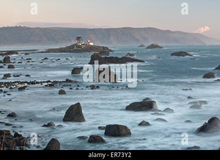 Faro di Trinidad Bay in California costiera Monumento Nazionale in California. Il monumento comprende più di 20.000 Foto Stock