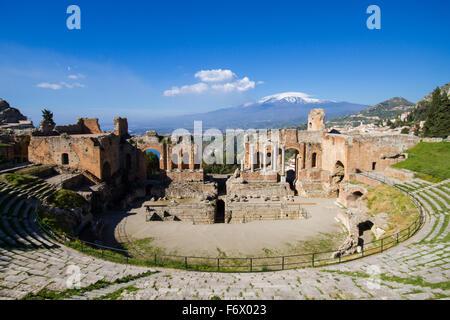 Antico Teatro Greco di Taormina, Sicilia, Italia Foto Stock