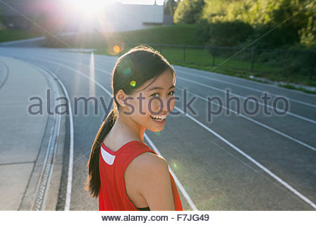 Ritratto femminile scuola di alta via e atleta di campo Foto Stock