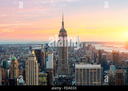 New York skyline della città con Empire State Building Foto Stock