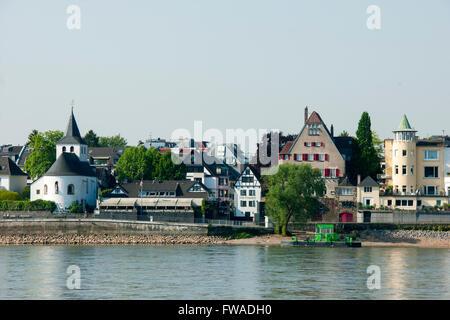 Deutschland, Renania settentrionale-Vestfalia, Köln, Blick von Poll auf das andere Rheinufer nach Rodenkirchen Foto Stock