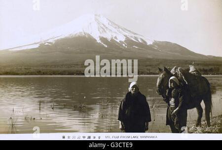 Il monte Fuji, Giappone - dal Lago Yamanaka data: 1934 Foto Stock