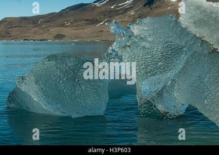 La formazione di ghiaccio in Samarinbreen, Svalbard, Norvegia Foto Stock