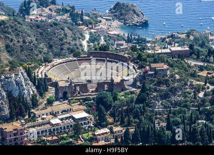 Veduta aerea del Teatro Greco di Taormina in Sicilia Foto Stock