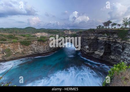 Rotto, Spiaggia di Nusa Penida Island, Bali, Indonesia Foto Stock