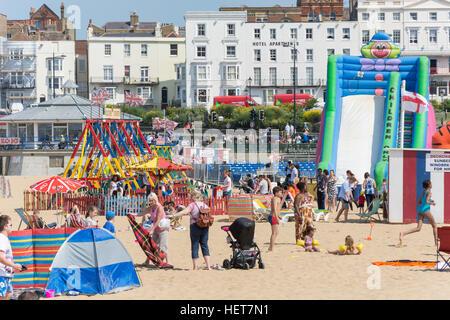 Parco giochi per bambini, Margate Beach, Margate, Kent, England, Regno Unito Foto Stock