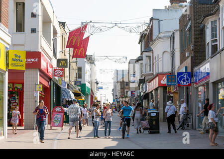 Area pedonale per High Street, Margate, Kent, England, Regno Unito Foto Stock
