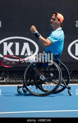 Melbourne, Australia. 28 gen, 2017. Gustavo Fernandez di Argentina reagisce durante l uomo carrozzella singles match Foto Stock