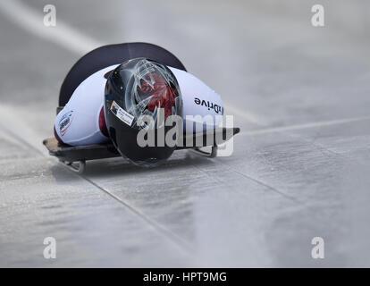 Koenigssee, Germania. 24 Febbraio, 2017. Atleta canadese Elisabeth Vathje in azione al IBSF di Bob e Skeleton Campionati Foto Stock