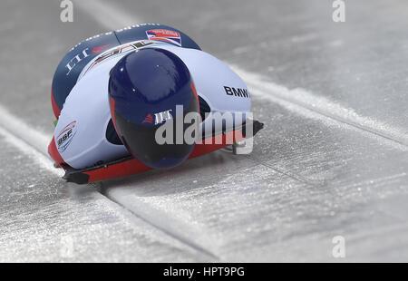 Koenigssee, Germania. 24 Febbraio, 2017. British atleta Lizzy Yarnold in azione al IBSF di Bob e Skeleton Campionati Foto Stock