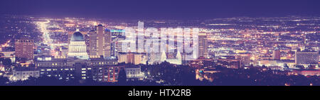 Vintage tonica Salt Lake City downtown panorama notturno, Utah, Stati Uniti d'America. Foto Stock
