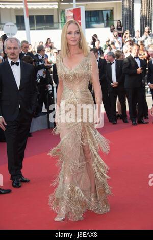 Cannes, Francia. 28 Maggio, 2017. CANNES, Francia. 28 maggio 2017: Uma Thurman al gala di chiusura per il settantesimo Foto Stock