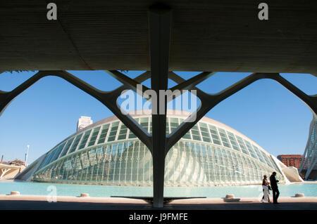 L'Hemisferic, da Santiago Calatrava. Città delle Arti e delle Scienze di Valencia, Spagna. Foto Stock