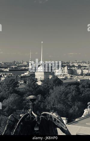La Russia, San Pietroburgo, centro, vista in elevazione di Pietro e di Paolo, la cattedrale, Admiralty e Museo Hermitage Foto Stock