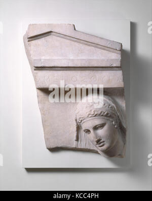 Frammento di una tomba in marmo stele di una donna, ca. 400-390 A.C. Foto Stock