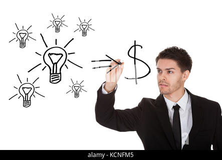 Convertire le idee in contanti concetto sullo schermo bianco Foto Stock