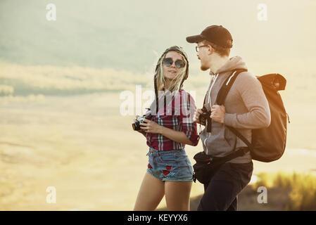 Felici turisti backpackers giovane ritratto Foto Stock