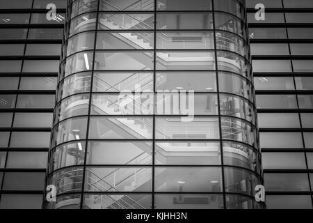 Fotografie di architettura in monocromia prese al Princes Exchange building, Prince's Square, Leeds REGNO UNITO Foto Stock