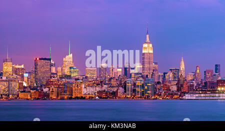 Orizzonte di New York City Empire State Building Foto Stock