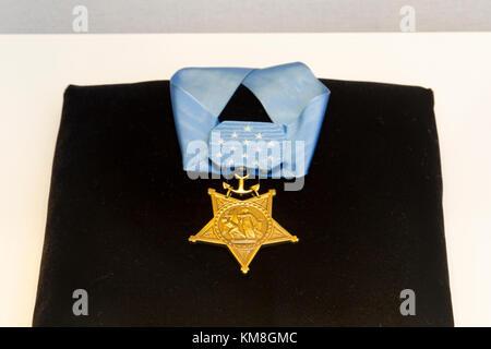 La medaglia d'onore come presentato ai destinatari dal Navy US sul display in Al Cimitero Nazionale di Arlington, Foto Stock