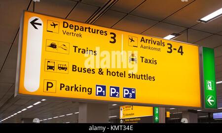 Aviazione elettrico scheda di informazioni per i passeggeri in aeroporto Foto Stock