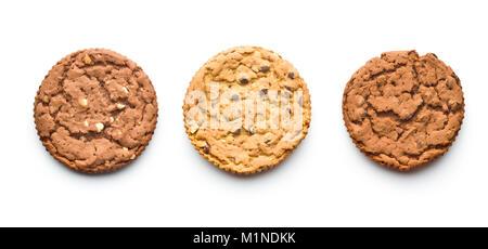 Dolci biscotti al cioccolato isolato su sfondo bianco. Foto Stock