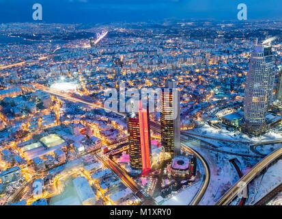 Istanbul, Turchia; 19 Gennaio 2015: vista di Istanbul con una lunga esposizione durante il crepuscolo Foto Stock