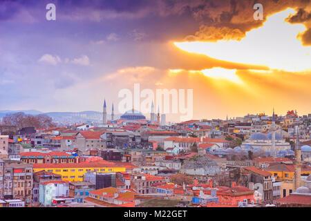 Istanbul vista dalla sommità del tetto che ha posto la città interna Foto Stock