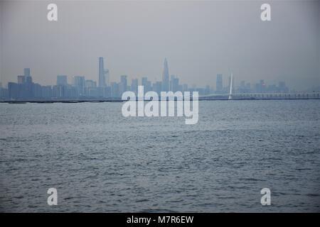 La Baia di Shenzhen e panorama visto da Nuovi Territori di Hong Kong Foto Stock