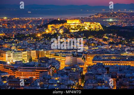 Vista aerea su Atene, Grecia al tramonto Foto Stock