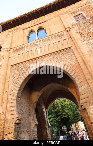 Puerta del vino presso il palazzo di Alhambra di Granada Spagna Foto Stock