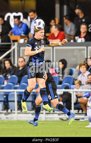 Agosto 29, 2018:San Jose terremoti centrocampista Florian Jungwirth (23) testine a sfera durante il match di MLS tra FC Dallas e San Jose terremoti a Avaya Stadium di San Jose, California. Chris Brown/CSM Foto Stock