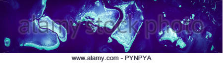 Vista ad alta risoluzione immagine satellitare della Grande Barriera Corallina, Australia, vista aerea, dal di sopra, contiene modificati Sentinella di Copernico dati [2018] Foto Stock