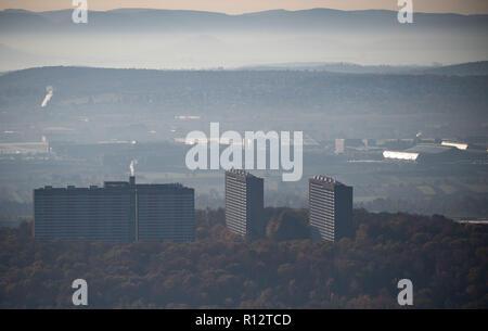 Stuttgart, Germania. 07 Nov, 2018. Vista dalla torre della televisione sul complesso residenziale nel quartiere Asemwald. Credito: Marijan Murat/dpa/Alamy Live News Foto Stock