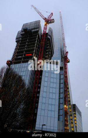 La Shard contemplati nel cloud London REGNO UNITO Foto Stock