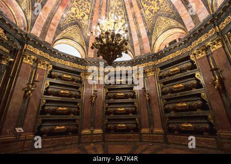 San Lorenzo de El Escorial, Provincia di Madrid, Spagna. Il pantheon dei Re. In spagnolo El Panteón de los Reyes o la Cripta reale. Esso contiene th Foto Stock