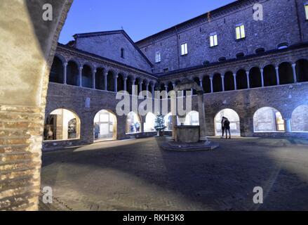 Bologna, Emilia Romagna, Italia. Dicembre 2018. La Basilica di Santo Stefano è un complesso di edifici religiosi chiamati sette chiese. Nella foto il Foto Stock