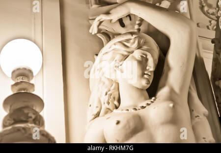 San Pietroburgo, Russia - Agosto 12, 2016: statue e monumenti di San Pietroburgo. L'orgoglio di scultori e di pietra e metallo di tecnologia di elaborazione. Foto Stock