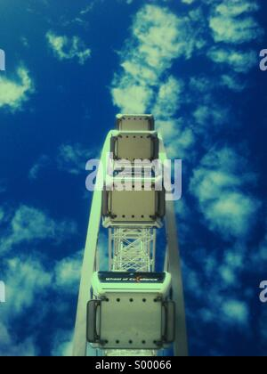 Vista astratta della ruota panoramica Ferris, Spiaggia di Brighton Foto Stock